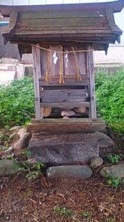 かぶろ神社の祠(松川村)2009年6月のりくん撮影