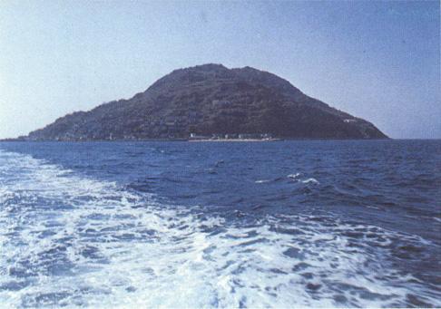 百合若が置き去りにされた玄海島(日本の民話第14巻九州I、1977年、研秀出版より)