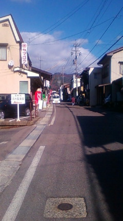 権兵衛さんがお坊様と蕎麦食い対決をした薮原宿(のりくん撮影、2012-11-19)